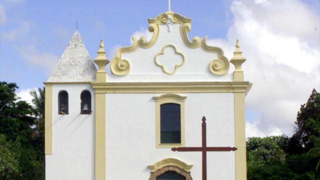 FOTO Arzobispo decreta que curas no estén solos con menores Convento señora de Penha Brasil 2000