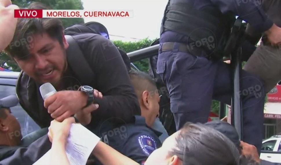 Foto: Los estudiantes fueron detenidos por policías estatales, el 23 de febrero de 2019. (Noticieros Televisa)