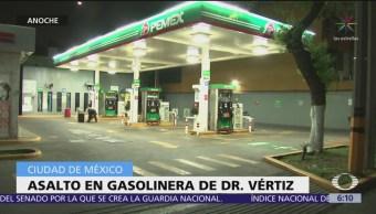 Detienen a jóvenes tras asaltar gasolinera en CDMX