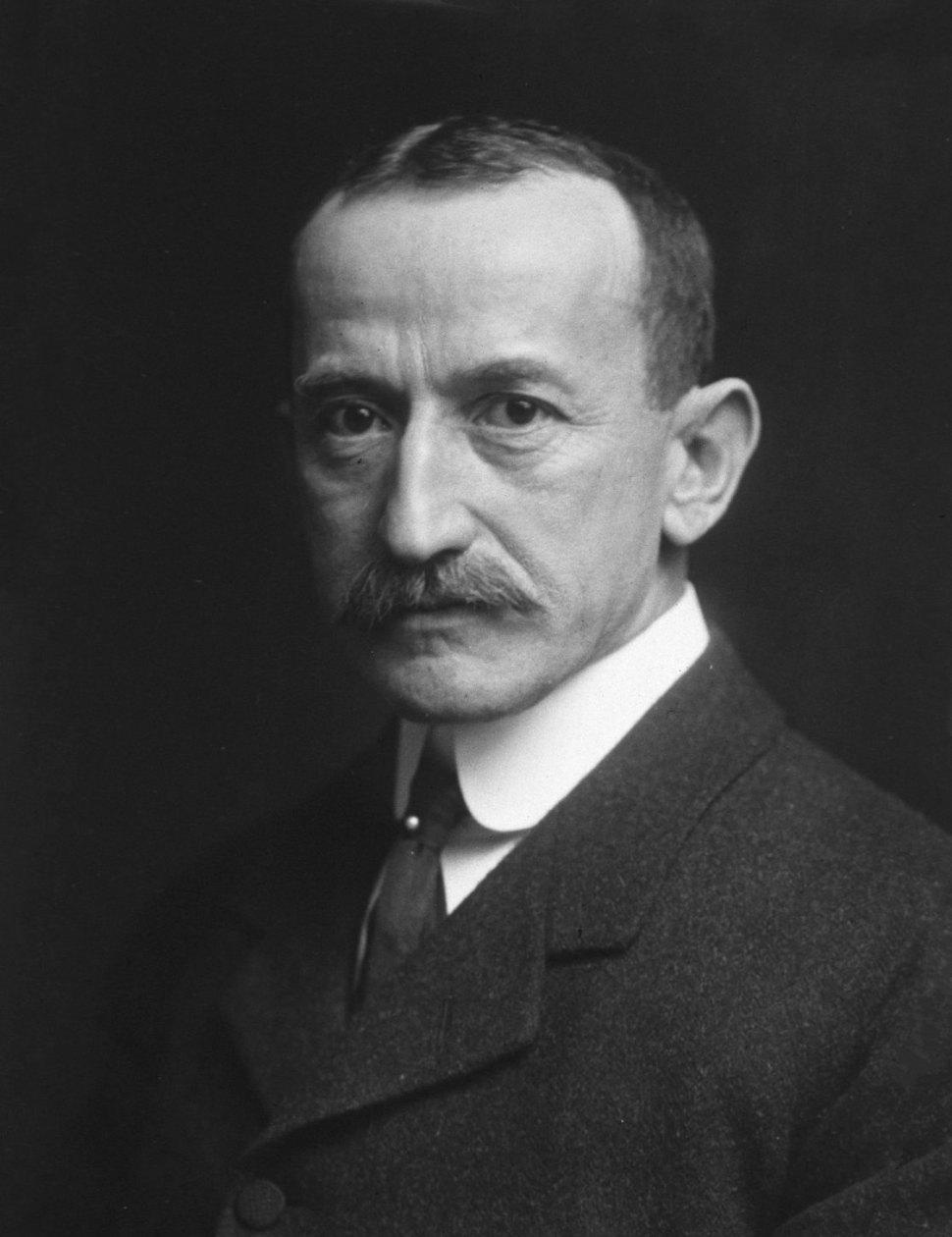 El médico oculista Karl Koller nació en 1857 y murió en 1944 en Nueva York (Alman Co., New York Dominio público)