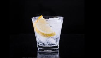foto Mujer tomó vodka con metanol en un bar y quedó ciega