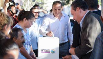 Foto: El gobernador de Morelos, Cuauhtémoc Blanco, votó por la mañana del domingo, el 24 de febrero de 2019 (Twitter @GobiernoMorelos)