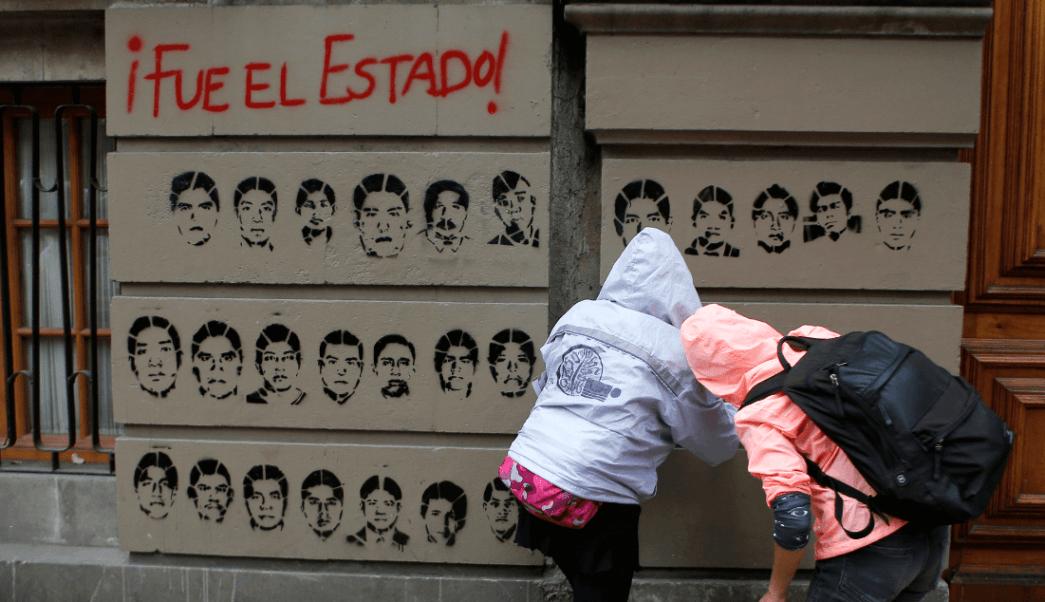 Foto: Rostros de los 43 desaparecidos de Ayotzinapa, 26 de septiembre de 2016, Ciudad de México