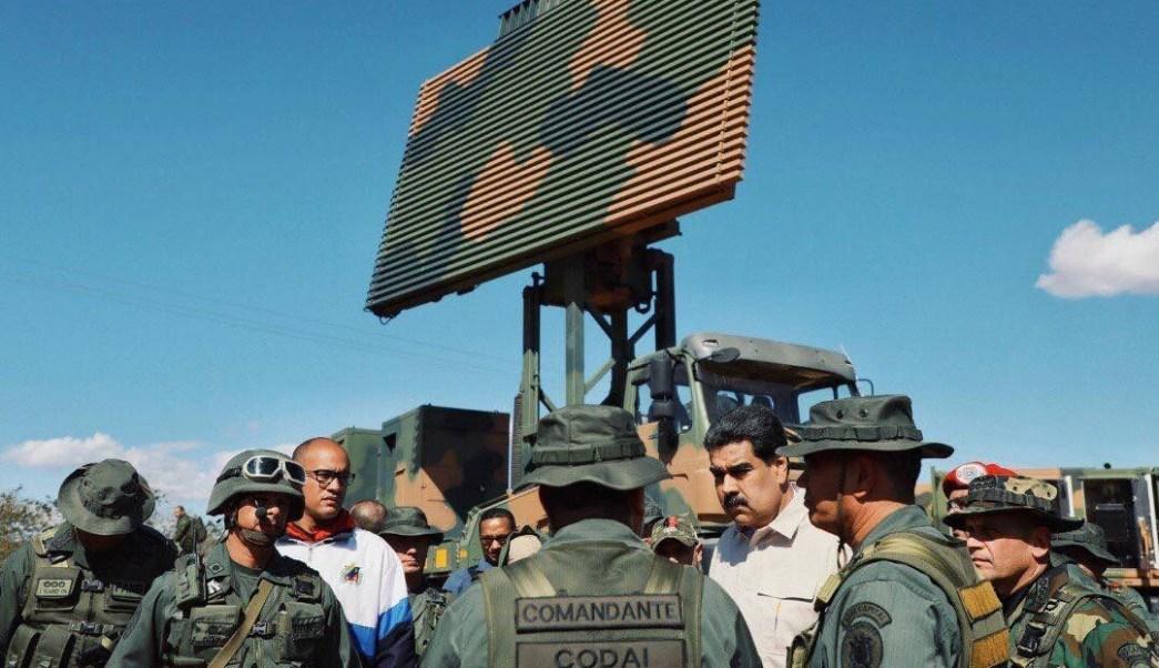 Maduro anuncia compra lanzadores de misiles antiaéreos