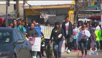 Foto: Migrantes marchan contra el muro de Trump