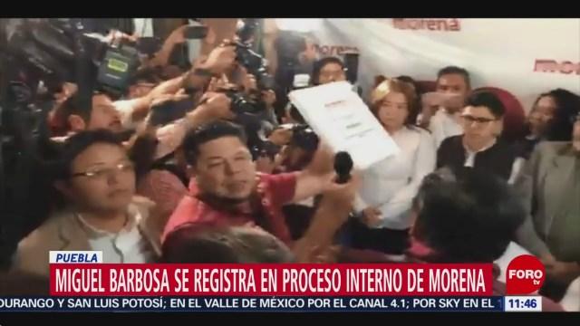Miguel Barbosa se registra en proceso interno de Morena en Puebla