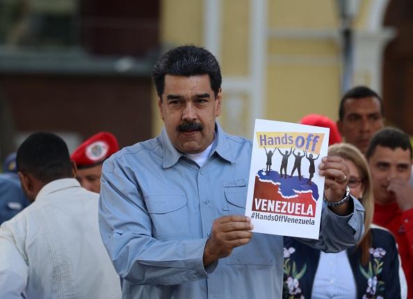 """Foto: El presidente Nicolás Maduro lanza la campaña """"Manos fuera de Venezuela"""" contra las amenazas de intervención de Estados Unidos, 8 febrero 2019"""