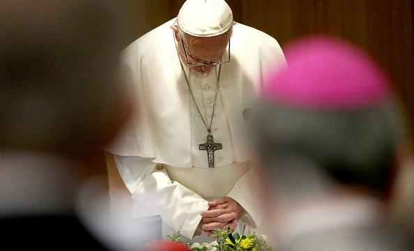 Foto: Papa Francisco asiste a la apertura de la cumbre sobre abusos sexuales por parte del clero que se realiza en el Vaticano, febrero 2019