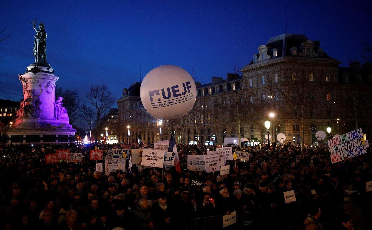 Foto: Miles de personas se congregaron en toda Francia para denunciar un aumento del antisemitismo, 20 febrero 2019