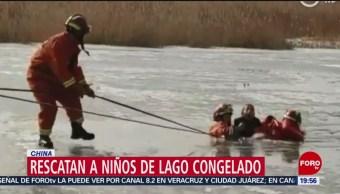 Foto: Rescatan Niños Lago Congelado China 14 de Febrero 2019