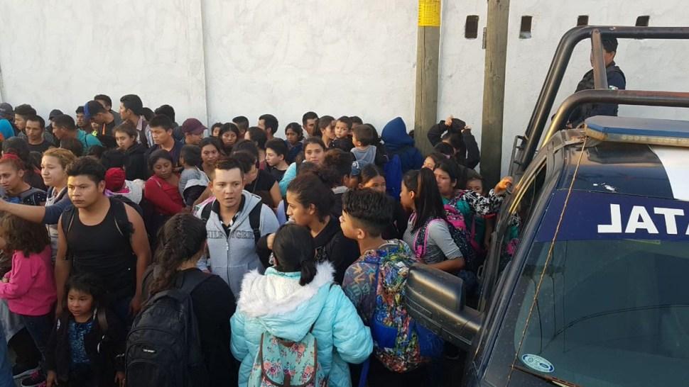 FotoRescatan en Tabasco a 160 migrantes que eran transportados en tráiler 15 febrero 2019