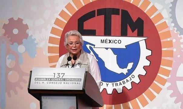 Foto: La secretaria de Gobernación, Olga Sánchez Cordero, participa en la ceremonia por el 83 Aniversario de la CTM, el 24 de febrero de 2019 (Twitter @SEGOB_mx)