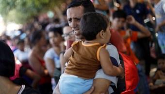 Venezolanos suplican ayuda humanitaria y esperan reapertura de la frontera en Cúcuta