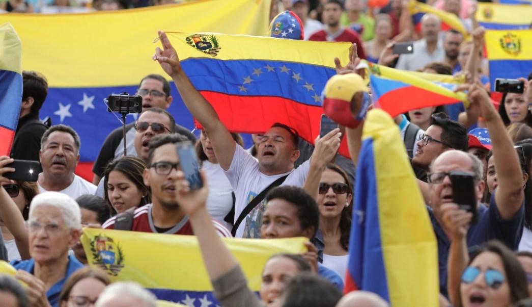 Miles de venezolanos marchan y demuestran repudio al gobierno de Maduro