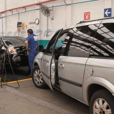 Claudia Sheinbaum acusa opacidad en verificación vehicular
