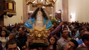 Foto: Católicos participan en la peregrinación de la virgen de la Candelaria, en la Basílica de San Juan de los Lagos, Jalisco, febrero 2 de 2019 (EFE)