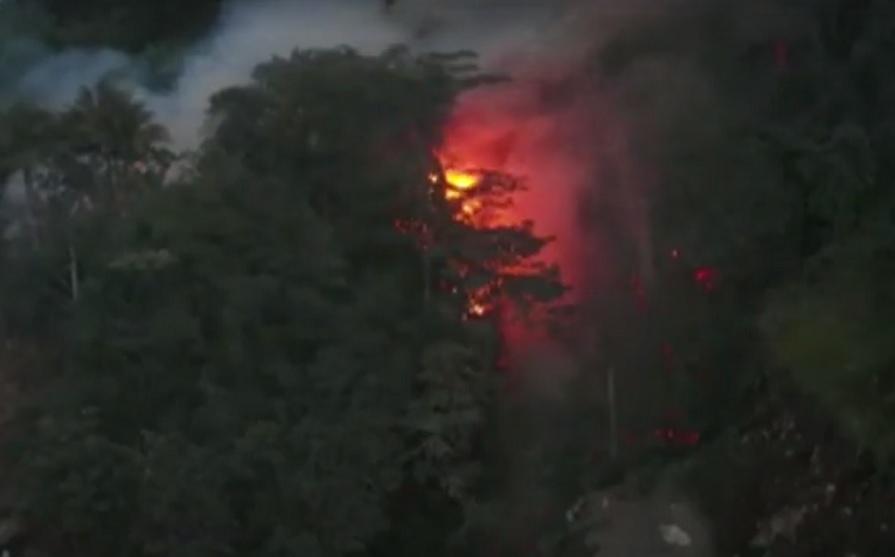 Indonesia establece estado de emergencia tras erupción del volcán Karangetang en Célebes