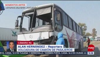 Foto. Vuelca camión de pasajeros en carretera a las Pirámides