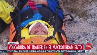 FOTO: Vuelca tráiler en el macrolibramiento en Jalisco, 10 febrero 2019