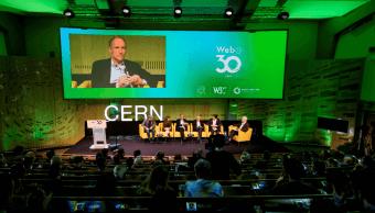 Foto: Tim Berners-Lee durante un evento en Suiza por el 30 aniversario de la creación de la World Wide Web, 12 de marzo de 2019, Ginebra