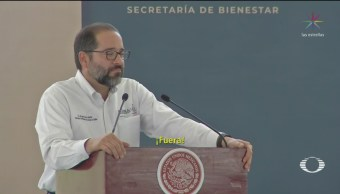 Foto: Abuchean Gobernador Colima Evento Amlo 5 de Marzo 2019