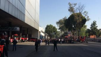 Foto: Bomberos bloquean avenida Insurgentes en la CDMX 4 marzo 2019