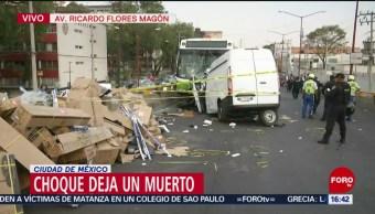 Foto: Camioneta provoca impacto; invade carril confinado