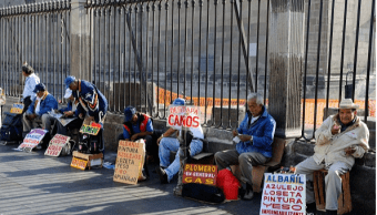 Foto: Gente ofreciendo servicios, 4 de septiembre de 2016, Ciudad de México, México