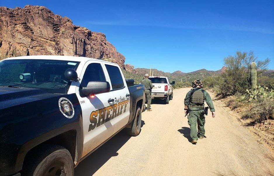 Foto: Detienen a pareja por cortar valla fronteriza en Sonora 19 marzo 2019