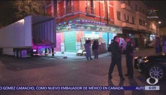 Detienen a tres hombres por robo de tráiler en Centro Histórico