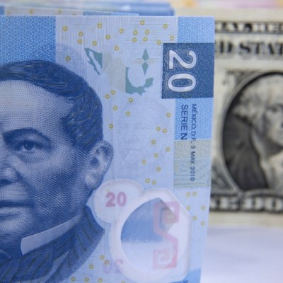 Bancos de CDMX venden dólar hasta en 19.21 pesos