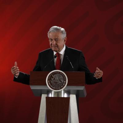 AMLO dice que su gobierno no es dictadura y que se someterá a revocación de mandato