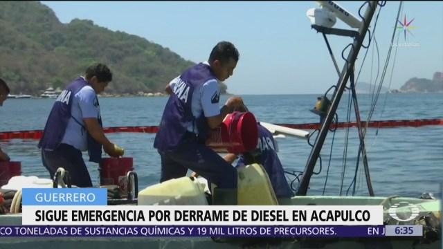 En Acapulco, trabajan para contener derrame por hundimiento de barco
