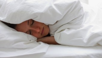 Estudio revela las enfermedades que ocasiona dormir mal