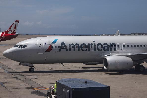 Foto: Un vuelo de American Airlines aterriza en el Aeropuerto Internacional Simón Bolívar en Caracas, Venezuela. El 27 de septiembre de 2018