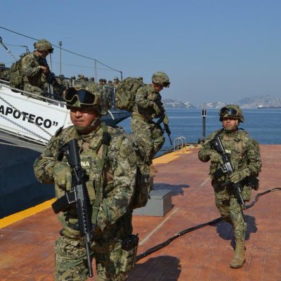 Arriban 150 marinos para reforzar seguridad en Acapulco