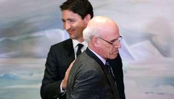 Foto: El primer ministro de Canadá, Justin Trudeau, y el secretario del Consejo Privado, Michael Wernick, asisten a una reunión de gabinete en Rideau Hall, en Ottawa. El 18 de marzo del 2019