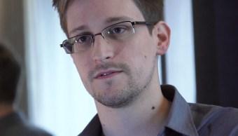 Foto: El exanalista de la CIA, Edward Snowden, habla durante una entrevista en Hong Kong sobre un programa espía de la Agencia de Seguridad Nacional (NSA) en 2013