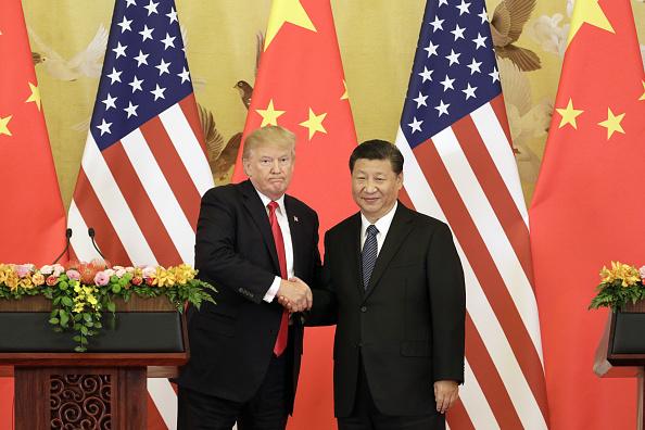 Foto: El presidente de Estados Unidos, Donald Trump, y su par de China, Xi Jinping, se dan la mano durante una conferencia de prensa en Beijing, China, el jueves 9 de noviembre de 2017