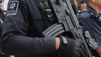 Foto: Elementos de la Policía Estatal de Colima portan sus armas.
