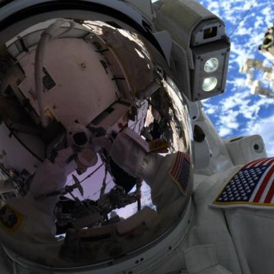 NASA cancela caminata espacial de mujeres por falta de trajes en EEI