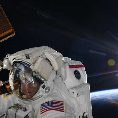 NASA defiende cancelación de caminata espacial de mujeres astronautas