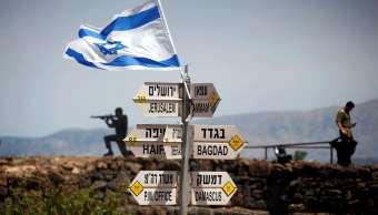 Foto: Un soldado israelí parado cerca de un puesto de observación en los Altos del Golán. El 10 de mayo de 2018