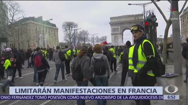 Francia prohíbe protestas de chalecos amarillos en Campos Elíseos