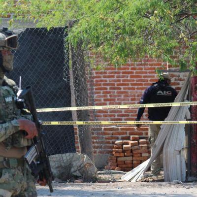 Detienen a 2 hombres vinculados con 'El Marro', uno en Guanajuato otro en CDMX