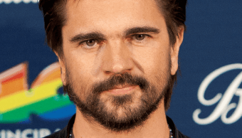 """FOTO Juanes denuncia al partido de ultraderecha Vox por manipular """"A Dios le pido"""" (AP diciembre 2015 españa)"""