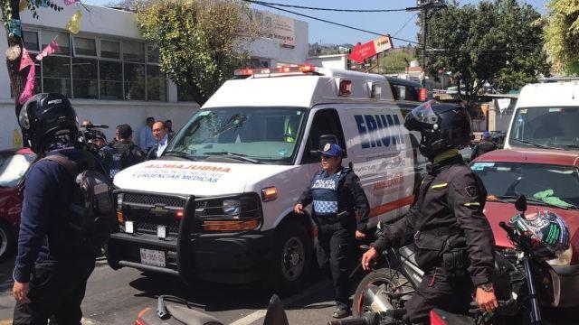 Foto: Rescatan personas de ser linchadas. el 5 de marzo