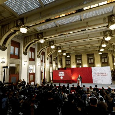 Desmiente AMLO intimidación al periódico Reforma