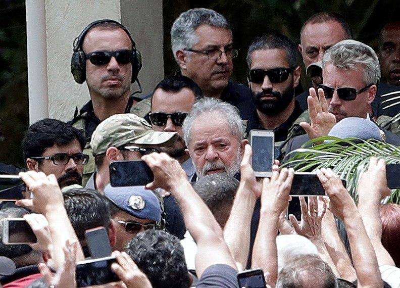 Foto: El expresidente brasileño Luiz Inácio Lula da Silva regresa a prision tras asistir al funeral de su nieto, 2 marzo 2019