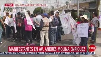 Manifestantes protestan frente a CFE en Iztapalapa